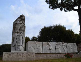 Статуя Санта-Катерина, Рим