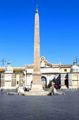 Фонтан львов и обелиск Фламинио на Пьяцца-дель-Пополо, Рим