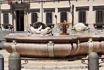 Fountain on Piazza Colonna, Rome