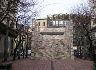 Fountain Monument to Sandro Pertini, Milan