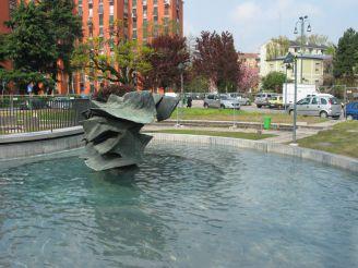 Fountain in Piazza Gasparri, Milan