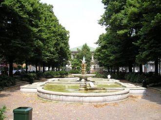 Fountain of via Benedetto Marcello, Milano