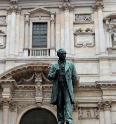 Monument to Alessandro Manzoni, Milan