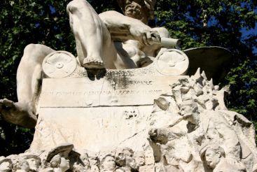 Monument to Felice Cavallotti, Milan