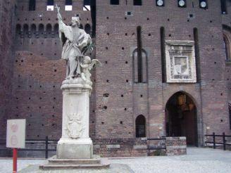 Statues of S.Giovanni Nepomuceno, Milan