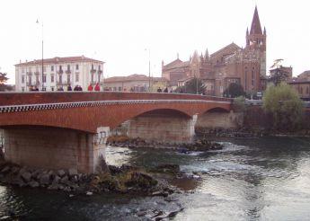 Bridge Ponte Navi, Verona