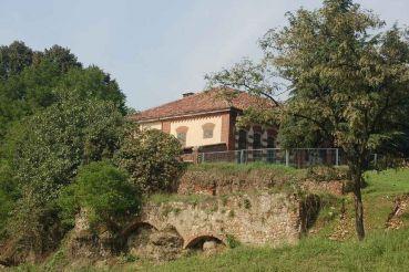 Руины замка Мирафиори, Турин