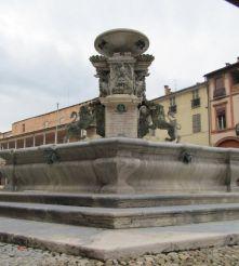 Монументальный фонтан, Фаэнца