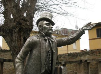 Statue of Pasqualon, Pesaro