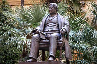 Rossini Statue, Pesaro