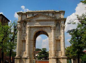 Gavi Arch, Verona