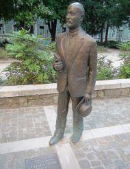 Statue of Italo Svevo, Trieste