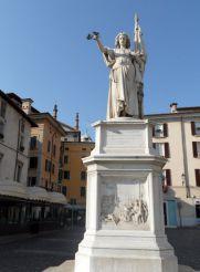 Monument to the Fallen, Brescia