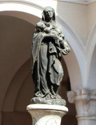 Statue of the Madonna, Brescia