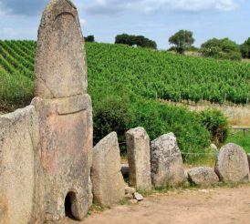 Giants' Frave (Giants' Tombs Coddu Vecchiu), Arzachena