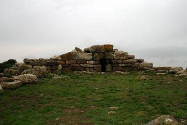 Tomb of the Giants Sa Domu'e S'Orku, Siddi