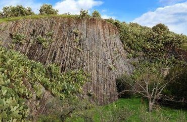 Basalti Colonnari, Guspini
