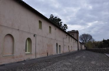 Villa Pernis, Milis