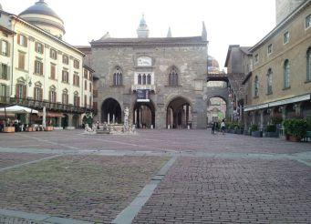 Пьяцца Веккья, Бергамо