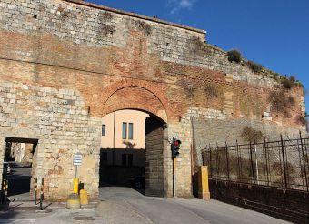 Laterina Gate, Siena