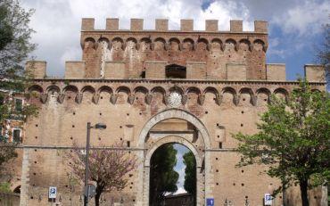 Romana Gate, Siena