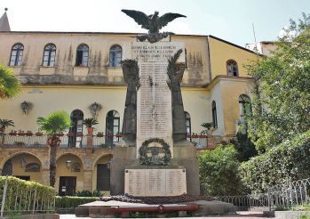 Monument to the Fallen, Amalfi