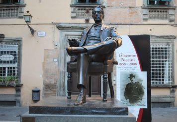 Памятник Джакомо Пуччини, Лукка