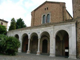Базилика Сант-Аполлинаре-Нуово, Равенна