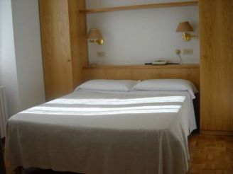Двухместный номер эконом-класса с 1 кроватью или 2 отдельными кроватями