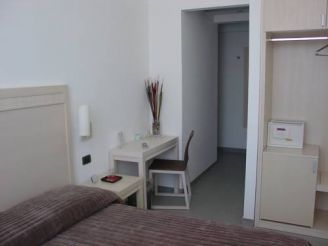 Superior Double Room with Square View