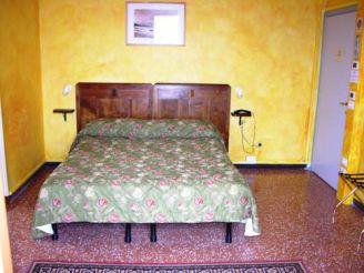 Улучшенный двухместный номер с 1 кроватью и видом на озеро