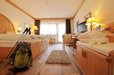 Двухместный номер Делюкс с 1 кроватью + дополнительная кровать