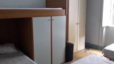 Кровать в общем женском номере с 4 кроватями